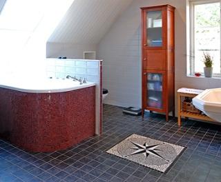 Havsinspirerat badrumsgolv från Svenska Kakel